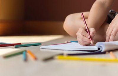 Como a Educação Bilíngue Ajuda no Desenvolvimento do Seu Filho