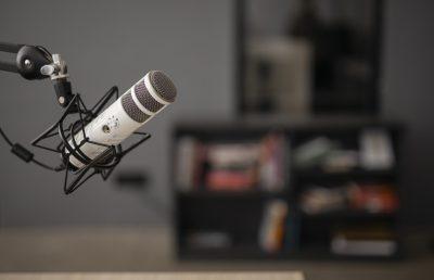 3 Podcasts Para Te Ajudar a Estudar